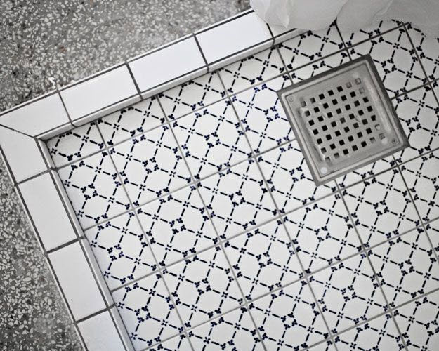 6x6_white_bathroom_tiles_27