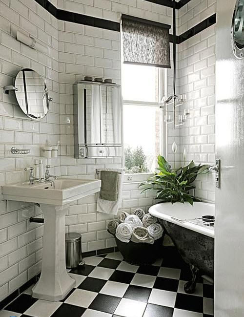 bathrooms_with_white_subway_tile_13