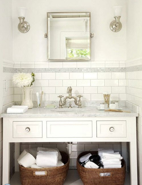 bathrooms_with_white_subway_tile_19