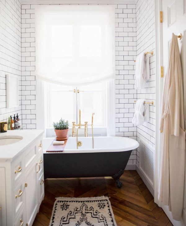 bathrooms_with_white_subway_tile_20