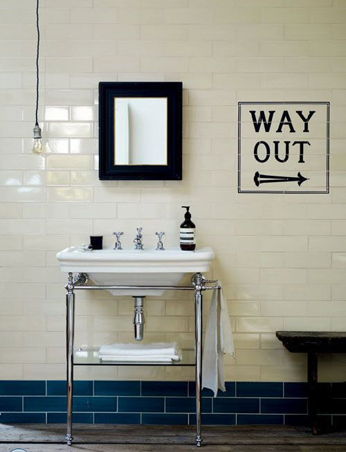 bathrooms_with_white_subway_tile_33
