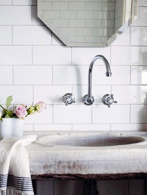 bathrooms_with_white_subway_tile_6