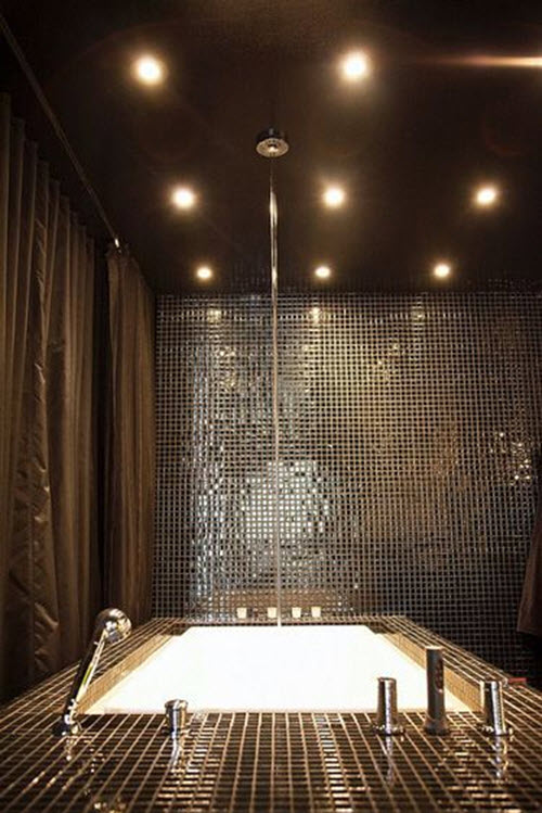 black_and_gold_bathroom_tiles_10