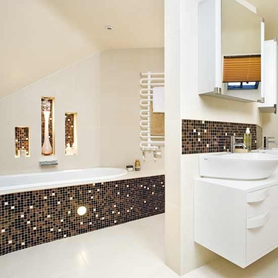 black_and_gold_bathroom_tiles_11