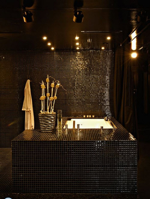 black_and_gold_bathroom_tiles_34