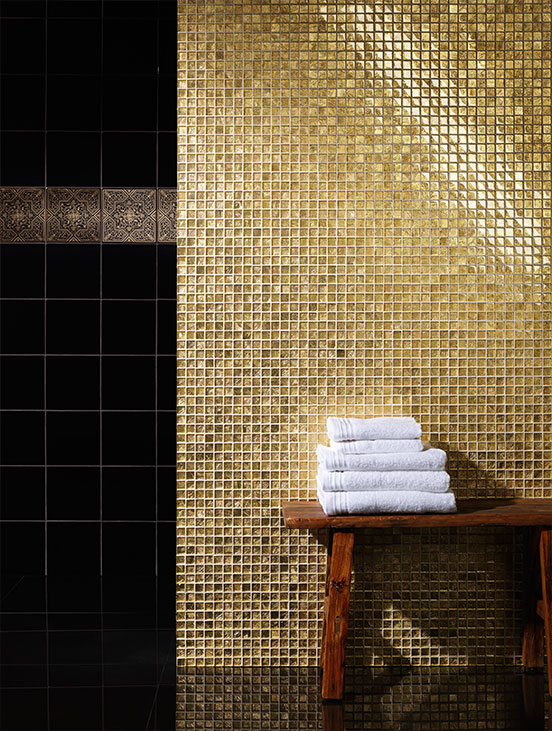 black_and_gold_bathroom_tiles_40