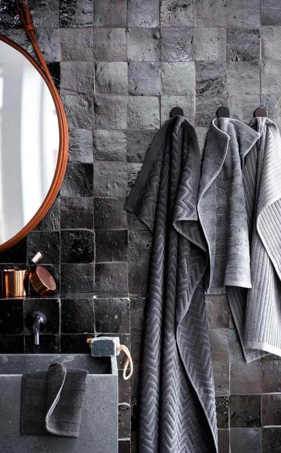 black_and_grey_bathroom_tiles_10