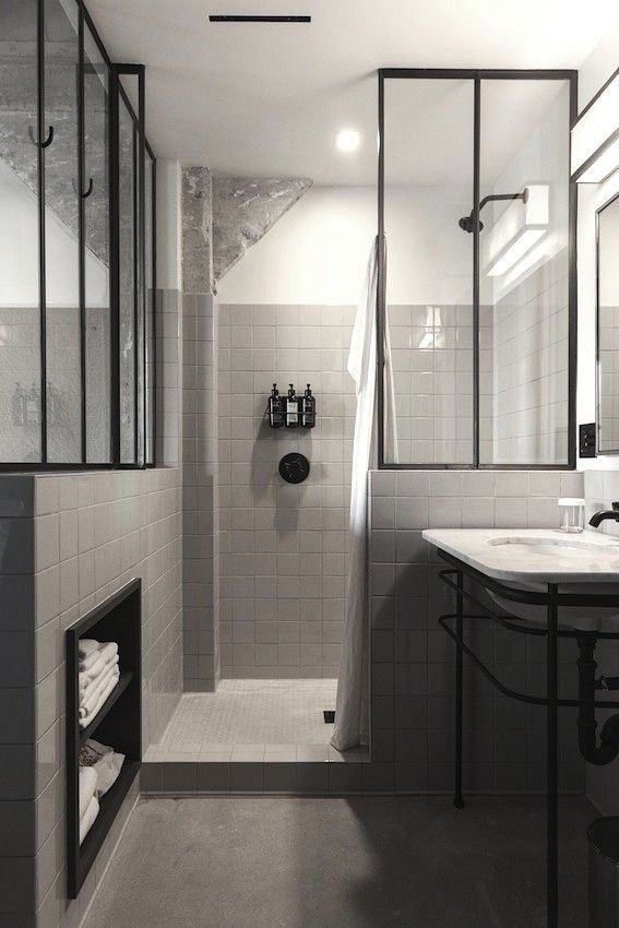 black_and_grey_bathroom_tiles_16