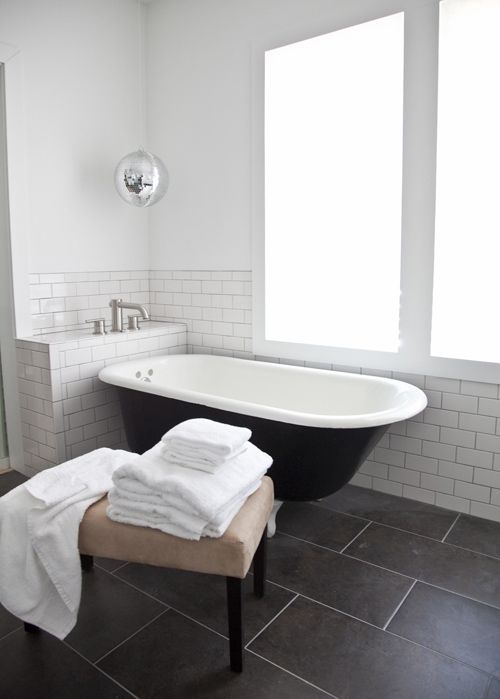 black_and_grey_bathroom_tiles_21