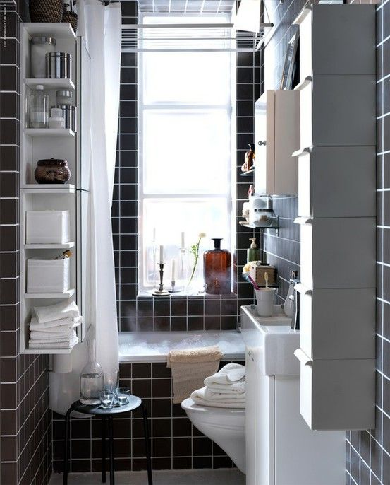 black_and_white_bathroom_tiles_in_a_small_bathroom_10