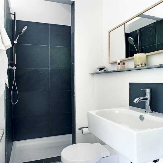 black_and_white_bathroom_tiles_in_a_small_bathroom_18