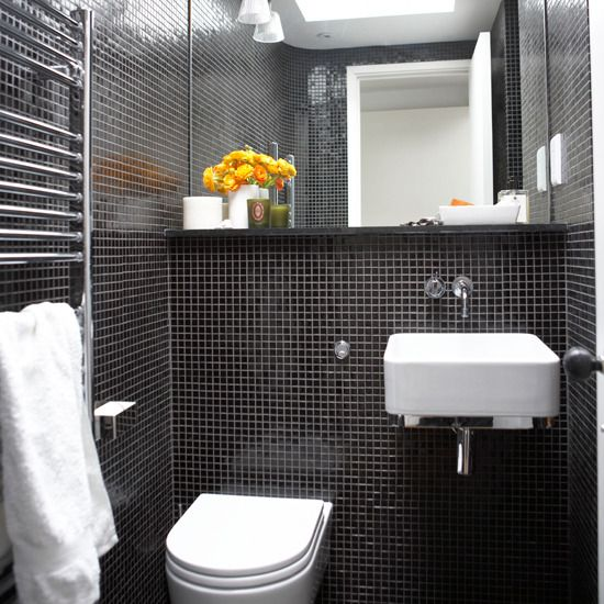 black_and_white_bathroom_tiles_in_a_small_bathroom_30
