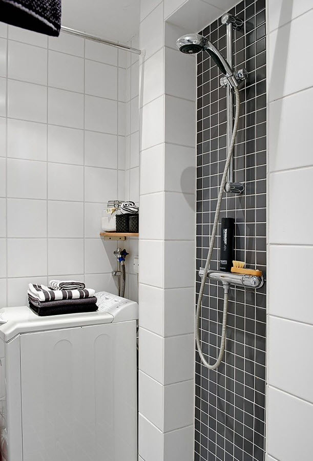 black_and_white_bathroom_tiles_in_a_small_bathroom_34