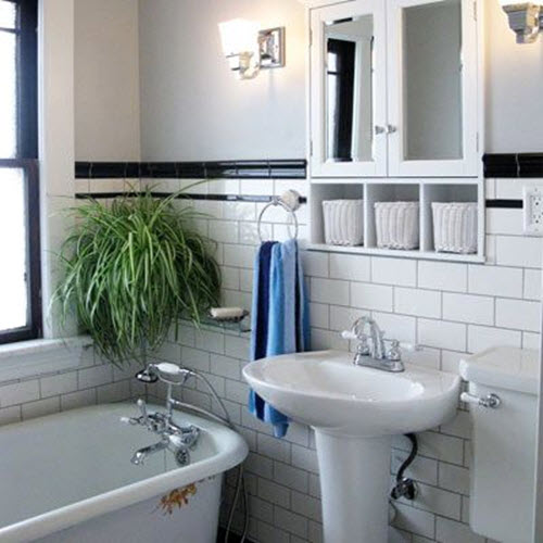 Small Bathroom Tile Looks : Black and white bathroom tiles in a small