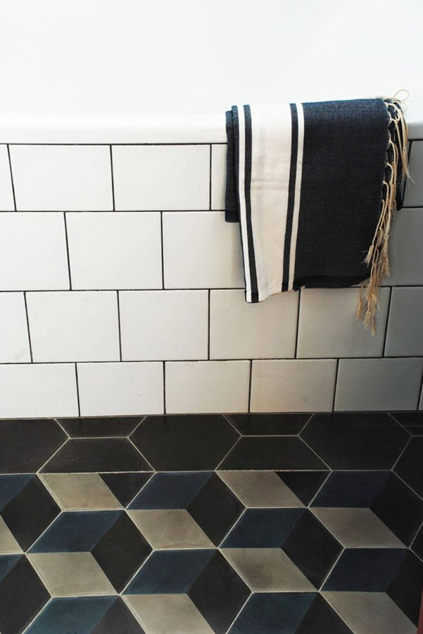 black_and_white_bathroom_wall_tile_designs_13