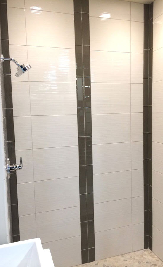 black_and_white_bathroom_wall_tile_designs_7