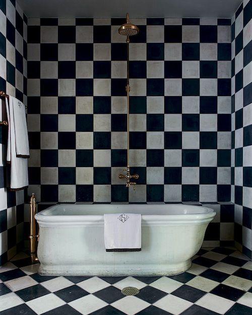 black_and_white_checkered_bathroom_tile_16