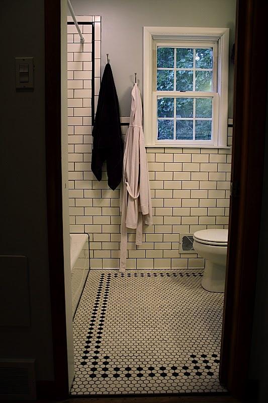 black_and_white_hexagon_bathroom_floor_tile_2