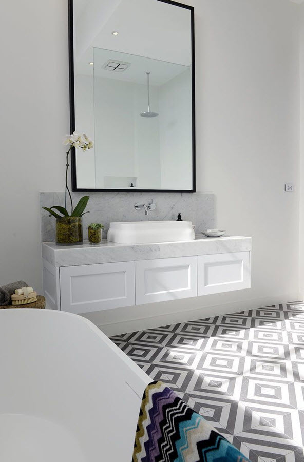 black_and_white_marble_bathroom_tile_16