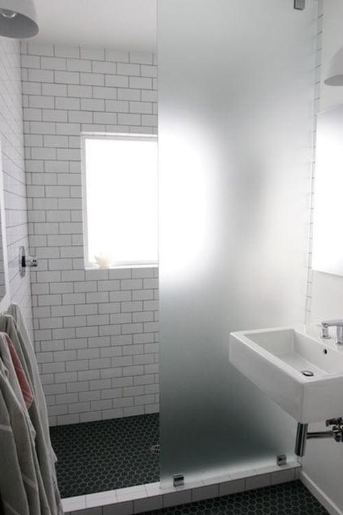 black_and_white_shower_tile_31