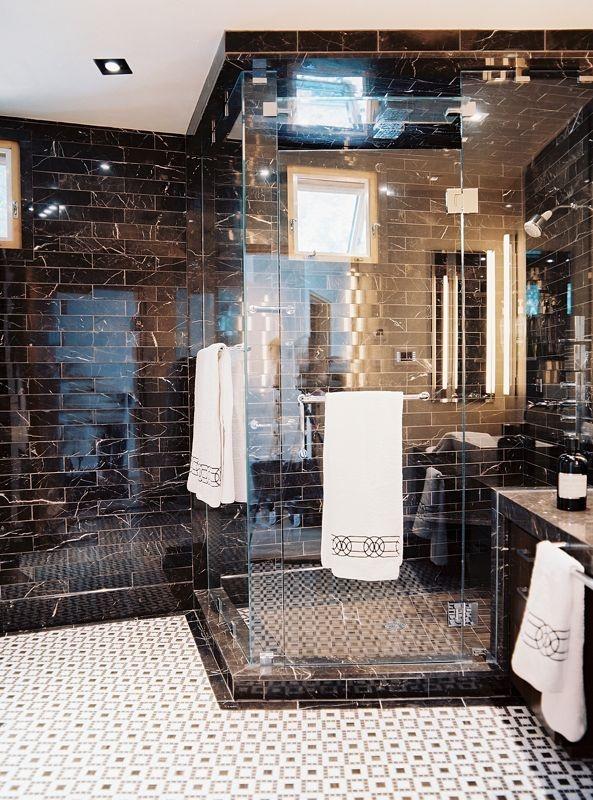 black_and_white_shower_tile_9