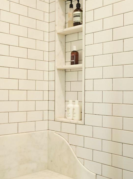 black_and_white_subway_tile_bathroom_15