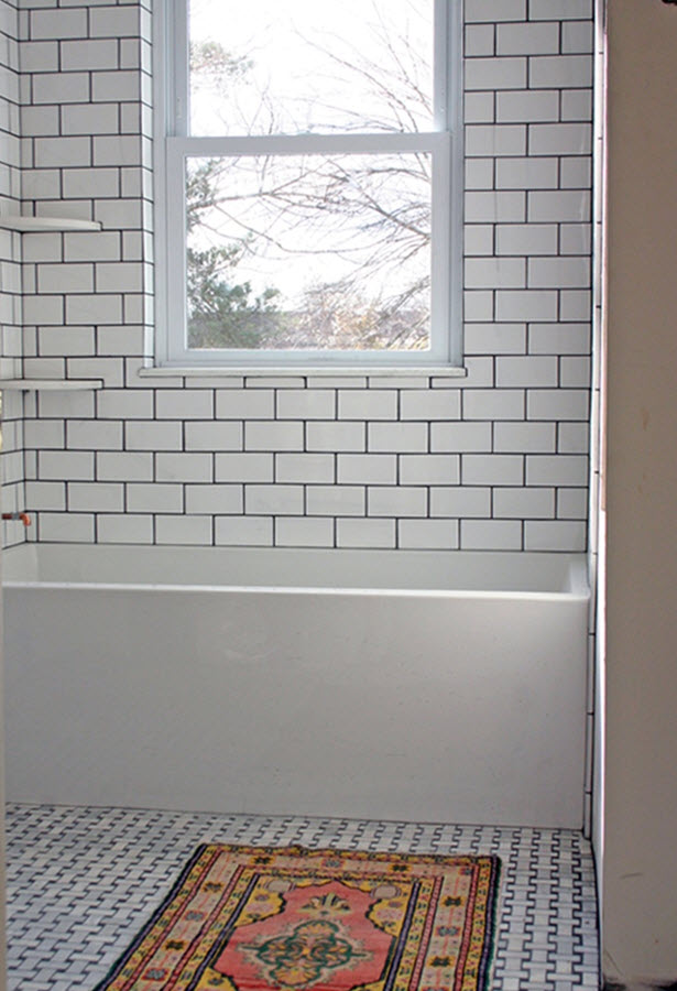 black_and_white_subway_tile_bathroom_24