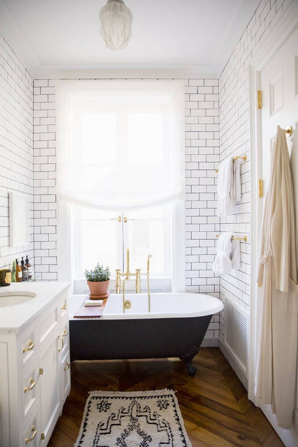 black_and_white_subway_tile_bathroom_29