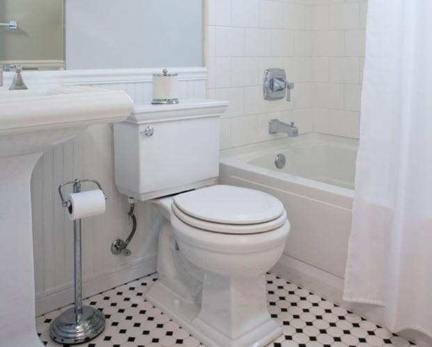 black_and_white_vinyl_bathroom_floor_tiles_1