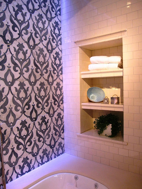 black_damask_bathroom_tiles_13