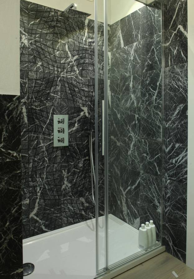 black_marble_bathroom_tiles _30