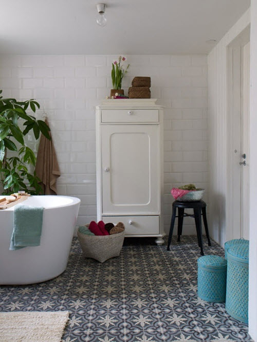 blue_and_white_bathroom_floor_tile_18