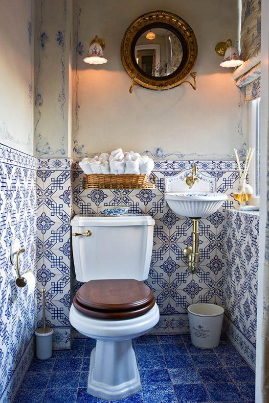 blue_and_white_bathroom_floor_tile_32