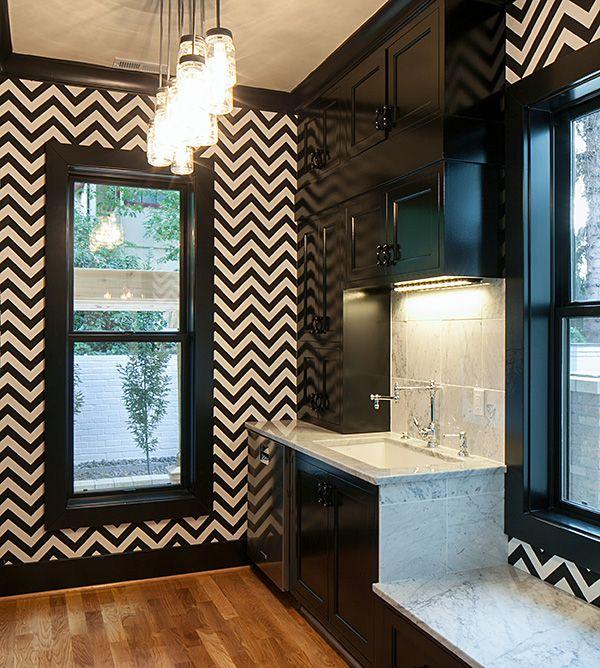 classic_black_and_white_bathroom_tile_3