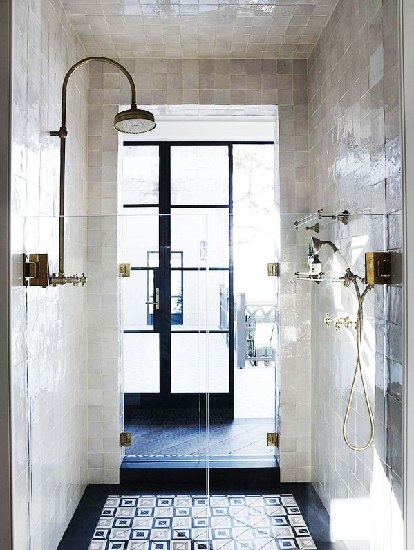 classic_black_and_white_bathroom_tile_33