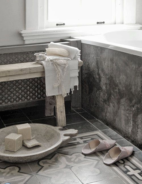 grey_and_white_bathroom_floor_tiles_19