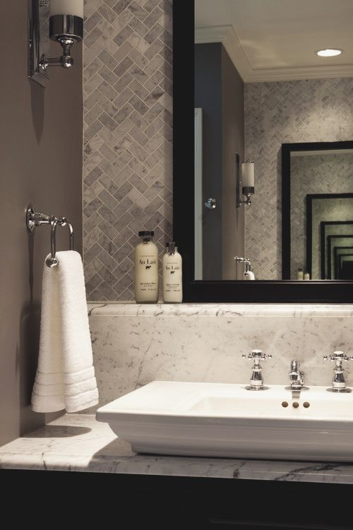 grey_and_white_bathroom_tile_ideas_24