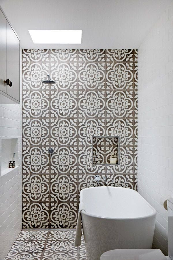 grey_and_white_bathroom_tile_ideas_26