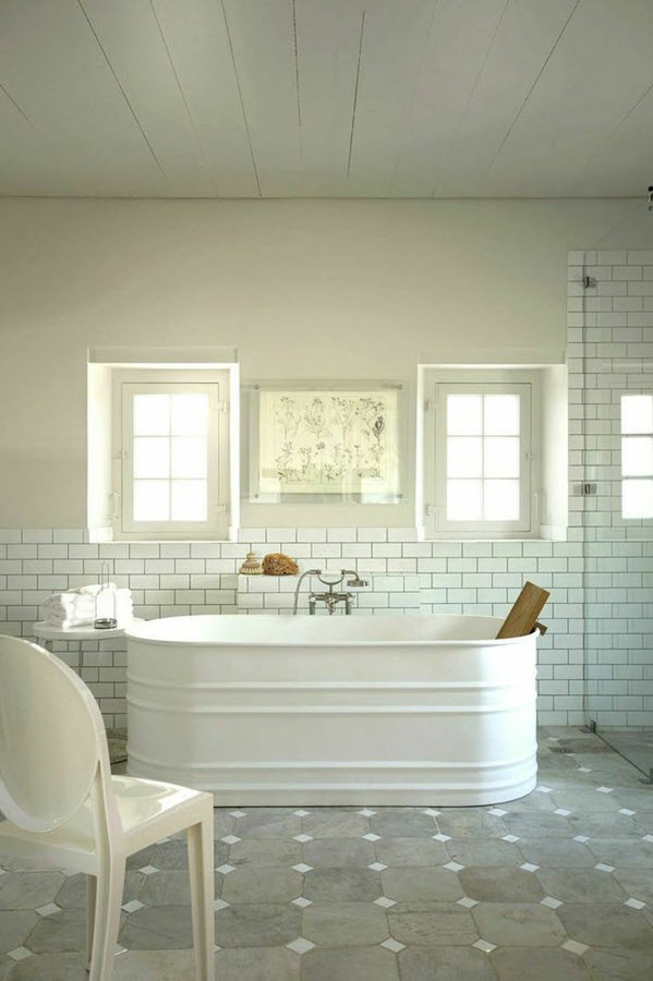 grey_and_white_bathroom_tile_ideas_35