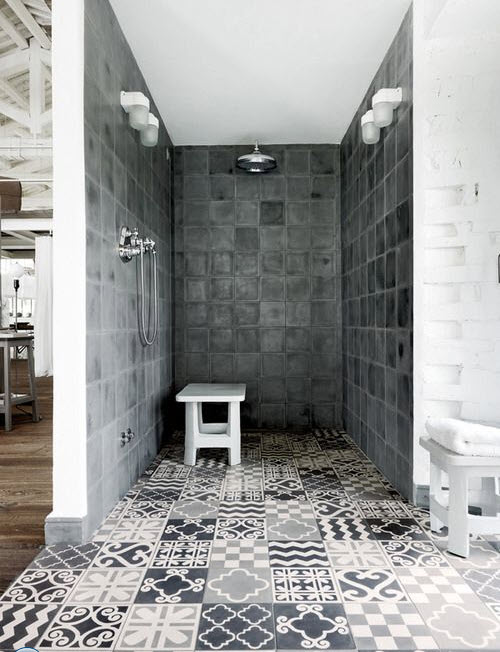 grey_and_white_bathroom_tile_ideas_4