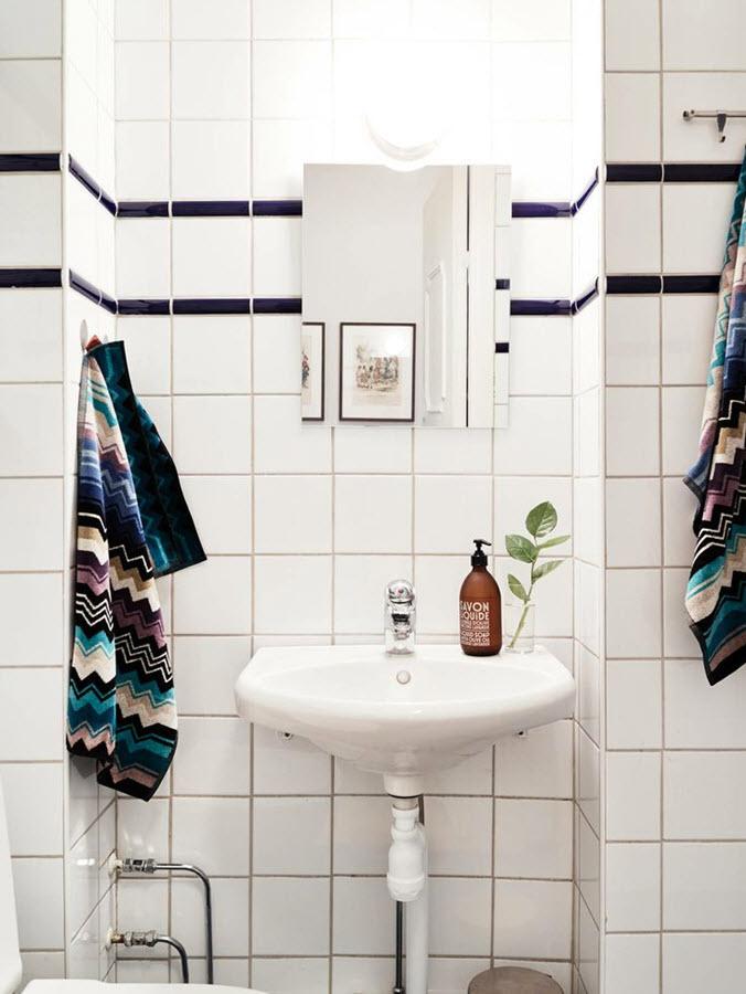 plain_white_bathroom_tiles_39