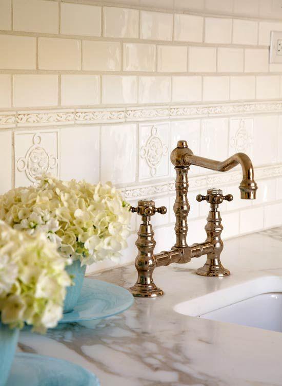 plain_white_bathroom_wall_tiles_13