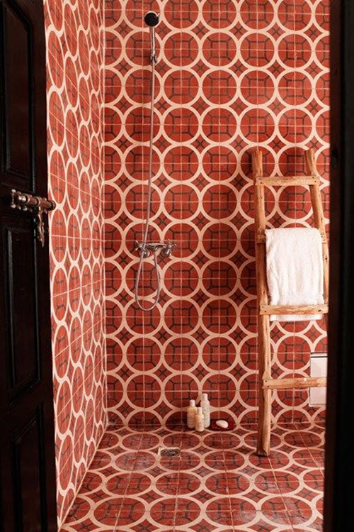 red_bathroom_tile_37