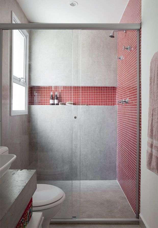 red_mosaic_bathroom_tiles_1