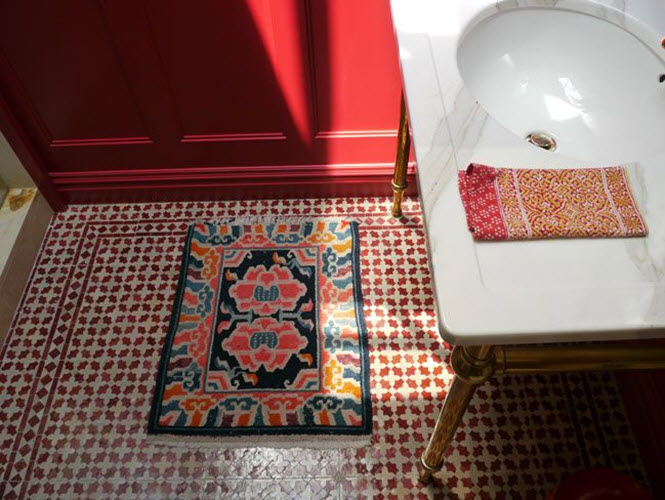 red_mosaic_bathroom_tiles_25