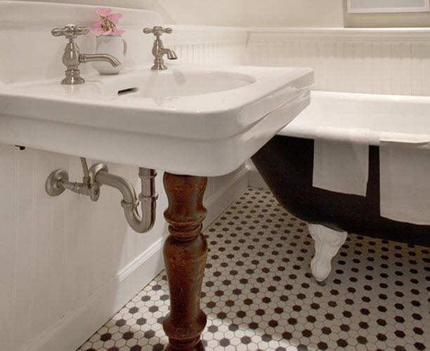 retro_black_white_bathroom_floor_tile_10