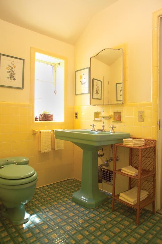 34 retro yellow bathroom tile ideas and pictures for Yellow and black bathroom ideas
