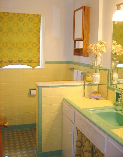 retro_yellow_bathroom_tile_11