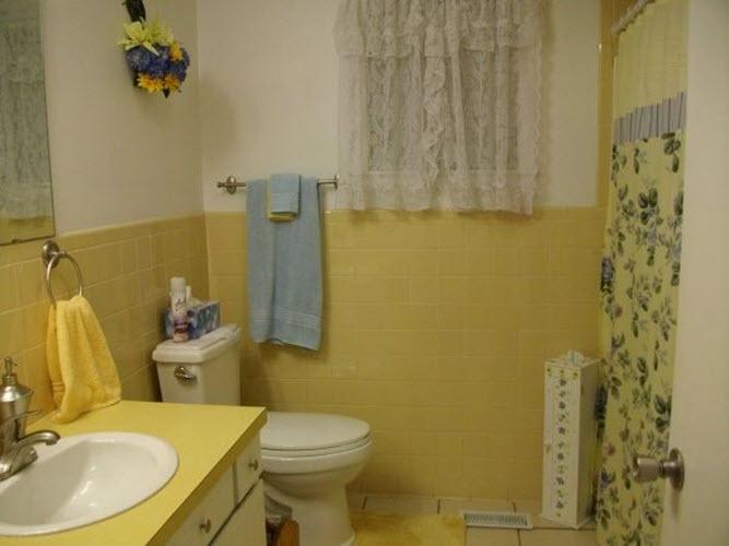 retro_yellow_bathroom_tile_27