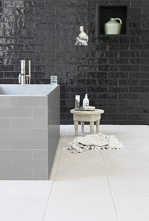 shiny_black_bathroom_tiles_10